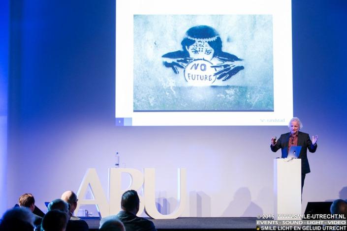 ABU congres Fit for The Future bijeenkomst in de Kromhouthal. Smile faciliteerde dit event op gebied van licht, geluidsversterking en video.