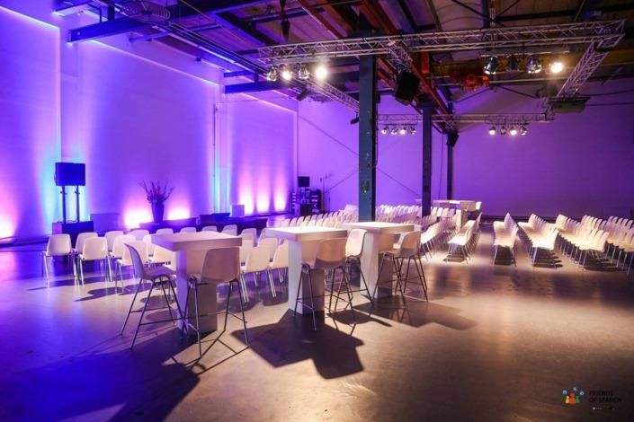 Smile heeft in een uitverkochte Kromhouthal alle techniek verzorgd in de grote industriele hal en de subzaal Studio T02.