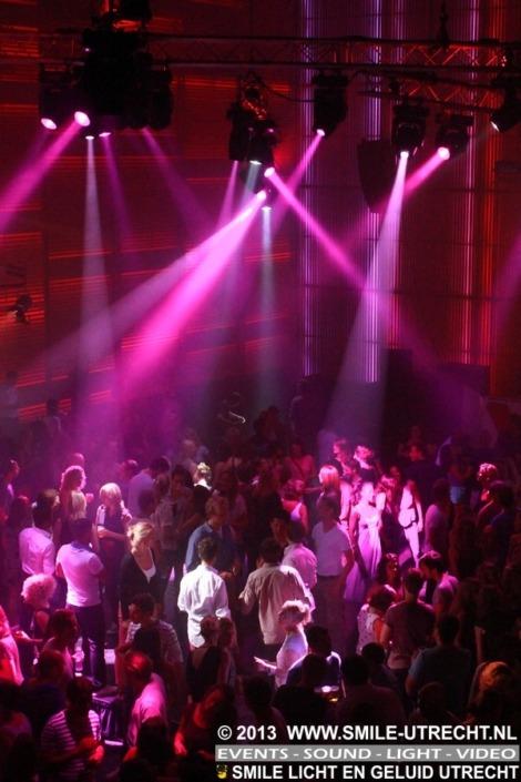 Summerfest dancefeest licht en geluid huren.
